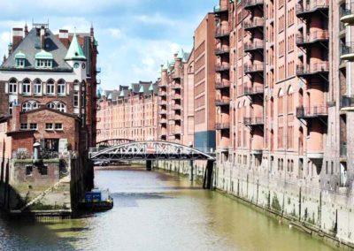 Walking Tour Hamburg - Elbschlösschen, viewed from the Poggenmühlen-Bridge